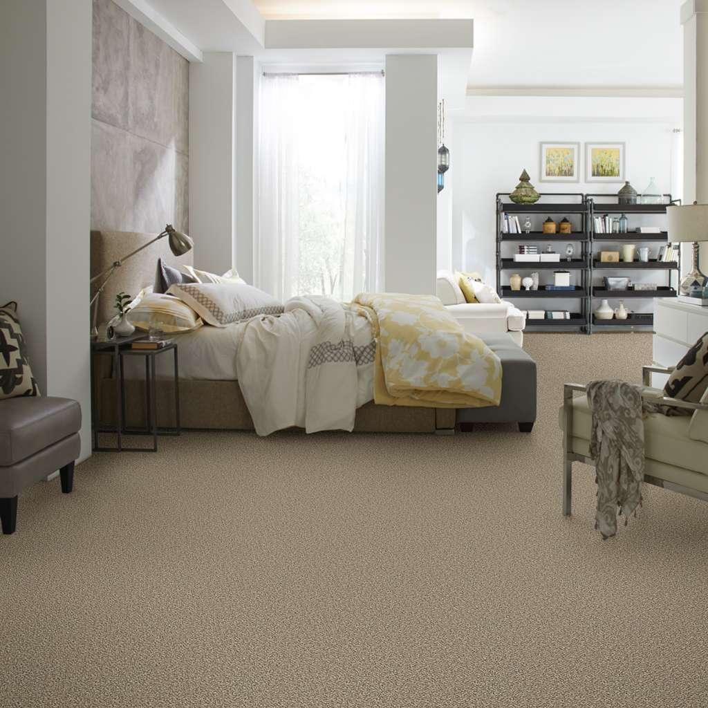 Spacious bedroom | IQ Floors